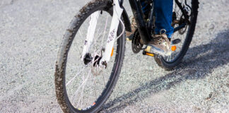 Grus på cykelbanor är en olycksrisk